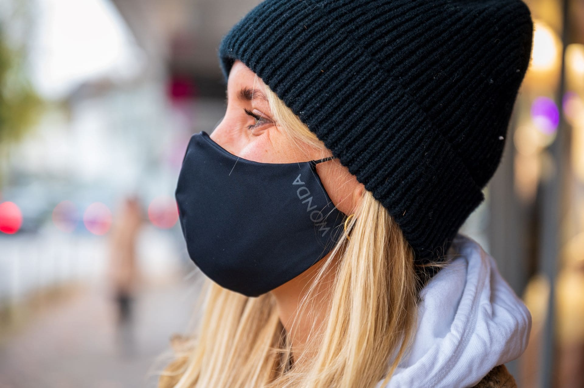 WONDA face mask made from recycled ocean and landfil plastic and easy to breathe